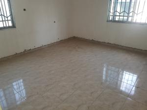 3 bedroom Shared Apartment Flat / Apartment for rent Adekunle kuye street Adelabu Surulere Lagos