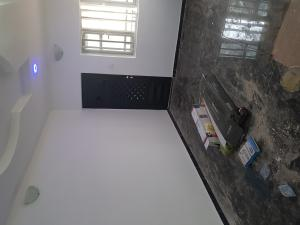 2 bedroom Shared Apartment Flat / Apartment for rent Off barracks bys stop, central surulere Western Avenue Surulere Lagos