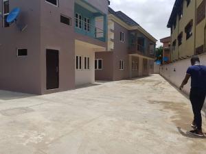 2 bedroom Flat / Apartment for rent Very close to Ketu Before Mile 12 off Ikorodu Road Kosofe Kosofe/Ikosi Lagos