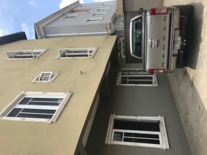 3 bedroom Flat / Apartment for rent Ayoade St off Bajulaiye road Shomolu Shomolu Lagos