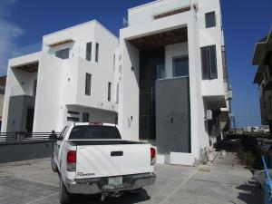 5 bedroom Detached Duplex House for sale victory park Osapa london Lekki Lagos