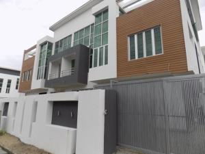 House for sale just after 2nd roundabout by lekki phase1 Lagos