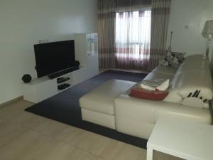 2 bedroom Penthouse Flat / Apartment for sale Off Palace Road. ONIRU Victoria Island Lagos