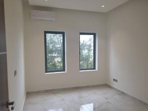 5 bedroom House for sale Off Second Avenue. Banana Island Ikoyi Lagos