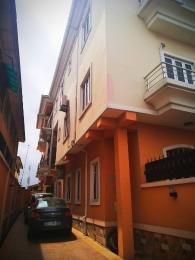 2 bedroom Blocks of Flats House for rent Iwaya  Onike Yaba Lagos