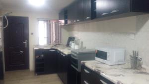3 bedroom Flat / Apartment for shortlet Off Oba Akinjobi street ikeja Ikeja GRA Ikeja Lagos