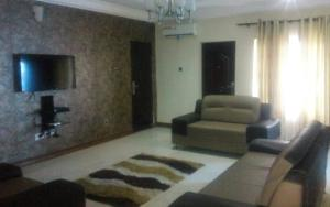 3 bedroom Shared Apartment Flat / Apartment for shortlet Off Oba Akinjobi street ikeja Ikeja GRA Ikeja Lagos