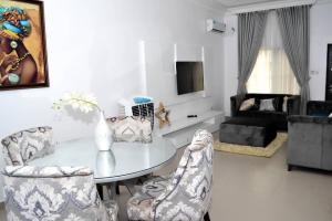 4 bedroom Semi Detached Duplex House for shortlet Alexander's Court Jakande Lekki Lagos