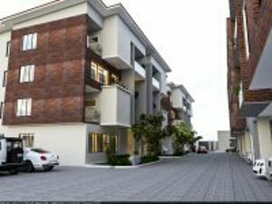 4 bedroom MIni estate