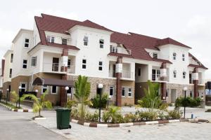 4 bedroom Terraced Duplex House for rent  Peachville Platinum estate.. Nbora Abuja