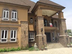 7 bedroom Detached Duplex House for sale Federal housing estate Gwarinpa Abuja