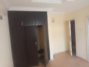 3 bedroom Block of Flat