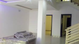 Massionette House for rent Off Admiralty road Lekki Phase 1 Lekki Lagos