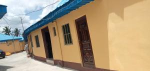 1 bedroom mini flat  Self Contain Flat / Apartment for rent Olowora area  Olowora Ojodu Lagos