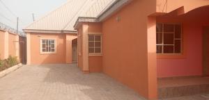 2 bedroom Shared Apartment Flat / Apartment for rent Aguwa,near Makarfi Estate,Trikania new extension Kaduna South Kaduna