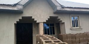 6 bedroom Detached Bungalow House for sale isokan area, bako apata  Ibadan Oyo