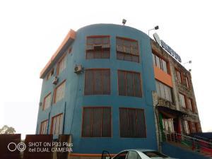 Commercial Property for sale D.S.P  Alamieyesigha way, Hospital Road, Beside MTN Office, Ovom  Yenagoa Bayelsa State. Yenegoa Bayelsa
