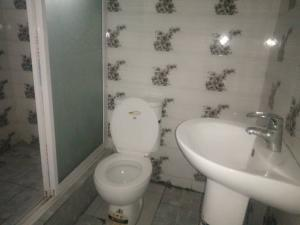 2 bedroom Flat / Apartment for rent Gbola salami street, agungi lekki lagos Agungi Lekki Lagos