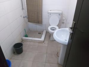 3 bedroom Flat / Apartment for rent Olushola Olude Close Phase 2 Gbagada Lagos
