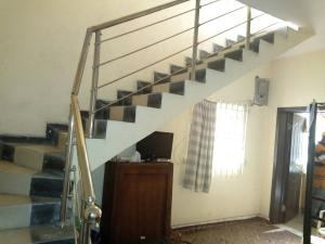2 bedroom House for rent estate Alaka Estate Surulere Lagos