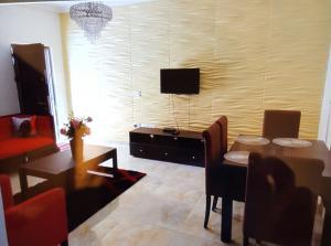 2 bedroom Flat / Apartment for sale 3A,Bose Enomoh Close(Former Maroko Close),Off Queens drive Old Ikoyi Ikoyi Lagos