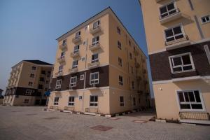 3 bedroom Flat / Apartment for sale Ajiran, Near Pinnock Beach, Femi Okunnu and Friends Colony Estate Lekki Lagos - 3