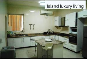 3 bedroom Flat / Apartment for sale Alexander road Ikoyi Lagos