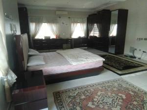 5 bedroom Detached Duplex House for sale Sola Oguntade Close Lekki Phase 1 Lekki Lagos