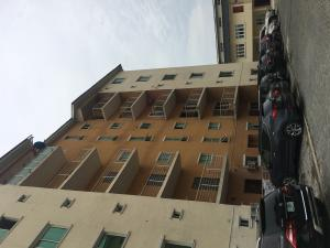 3 bedroom Blocks of Flats House for rent In high security Estate chevron Lekki Lagos