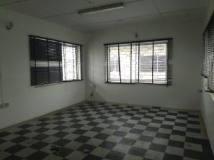 5 bedroom Flat / Apartment for rent Ogunlana Ogunlana Surulere Lagos