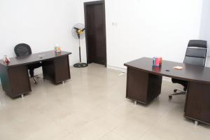 Private Office Co working space for rent 14a, Bayo Dejonwo LSDPC Maryland Estate Maryland Lagos