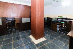 Workstation Co working space for rent 14a, Bayo-dejonwo LSDPC Maryland Estate Maryland Lagos