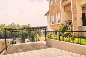 8 bedroom Detached Duplex House for sale close to lokogoma by the express Wumba Abuja