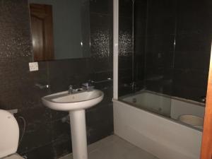 2 bedroom House for rent freedom way Lekki Lagos