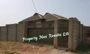 4 bedroom Detached Bungalow House for sale Off Adekunle Fajuyi Cantonment; Ojoo Ibadan Oyo